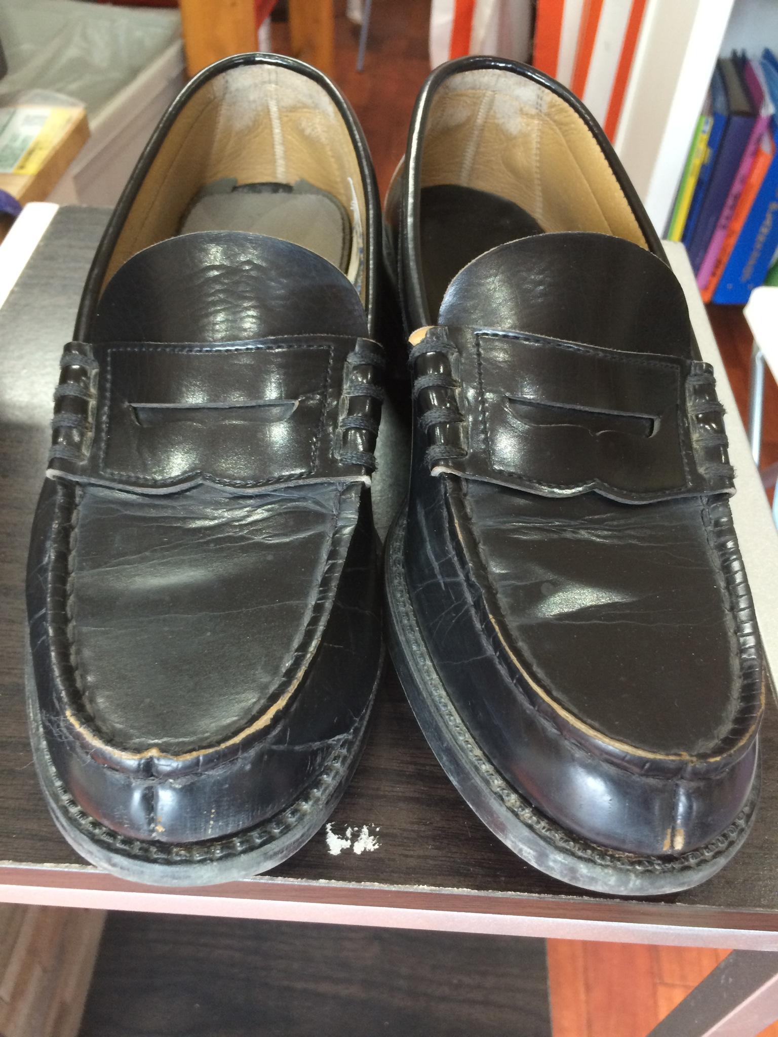 学生靴の修理もよく依頼があります。