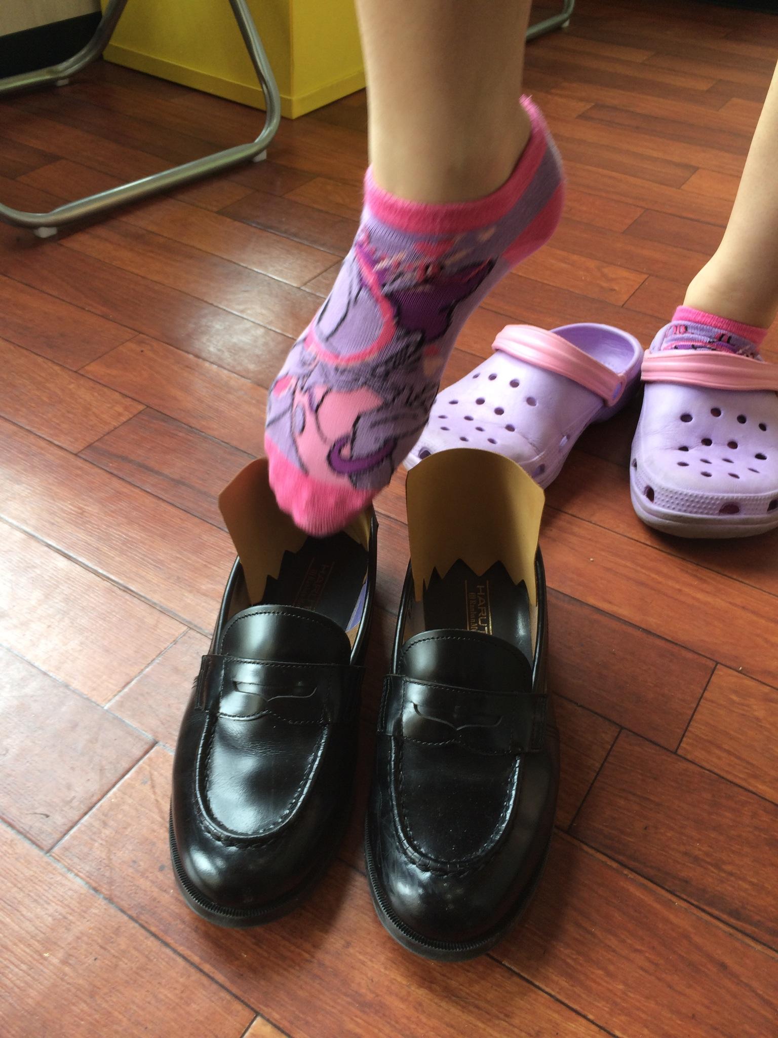 学生靴 かかと靴擦れ対策修理(ハルタ ローファー)